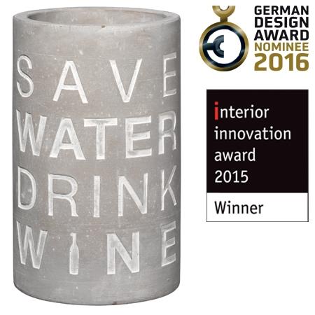 """Weinkühler aus Beton mit schicker Prägung """"Save Water, Drink Wine"""""""