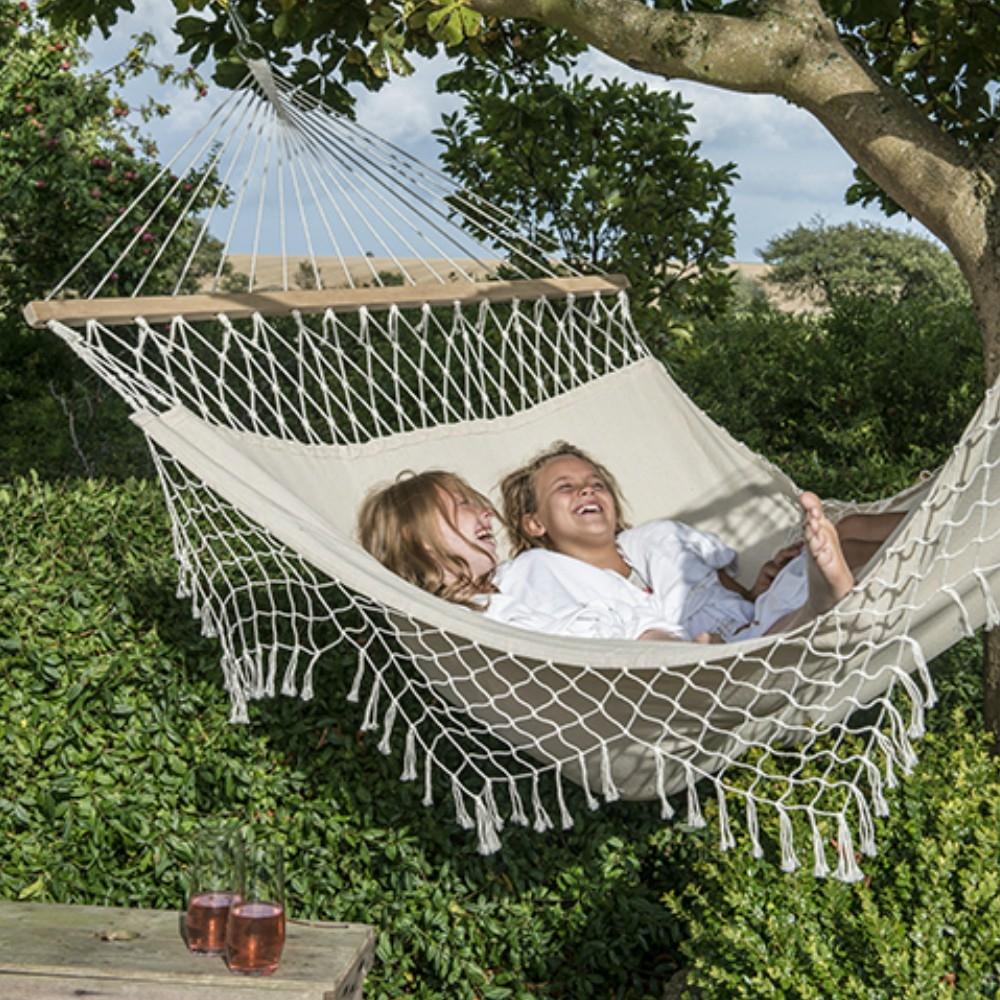 h ngematte hawaii mit h kelrand. Black Bedroom Furniture Sets. Home Design Ideas